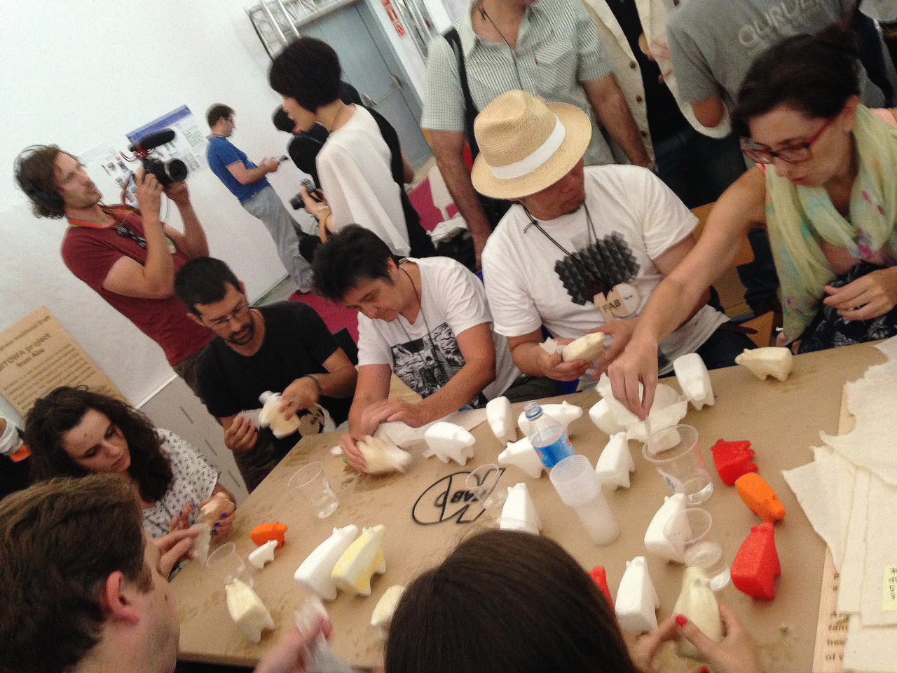 Hasekura 2.0 Workshop at 10th Fablab Conference, Barcelona, in July 2014. Akabeko x washi x 3D printer. The workshop aimed at playfully experimenting with new production processes for Japanese traditional crafts objects, applying advanced technologies and cross-cultures collaborations.